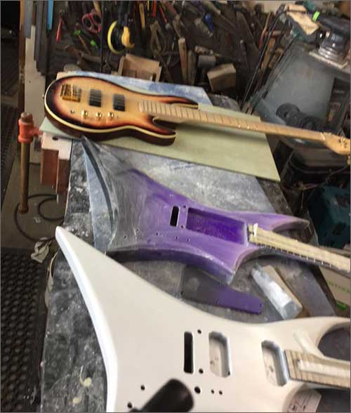 Wilkes Guitars Two Sluts and a Bass