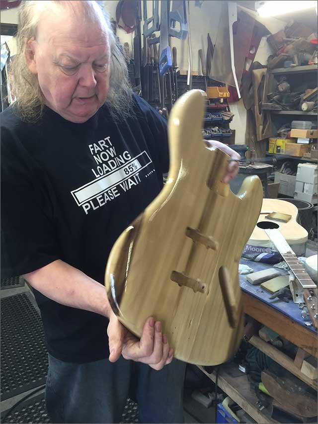 Doug Wilkes Wilkesguitars Natural Bass