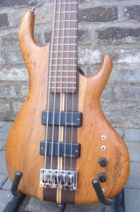 Wilkes Guitars bass-1